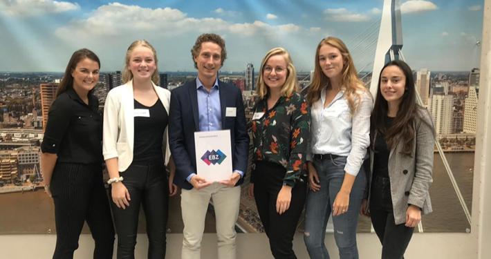 Studenten doen onderzoek voor Human Capital